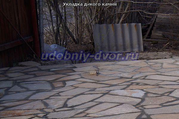 Укладка дикого камня в Ступино на даче